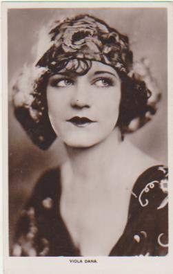 Foto-Postal. Viola Dana. Real Photograph. Long Acre London 1920-30